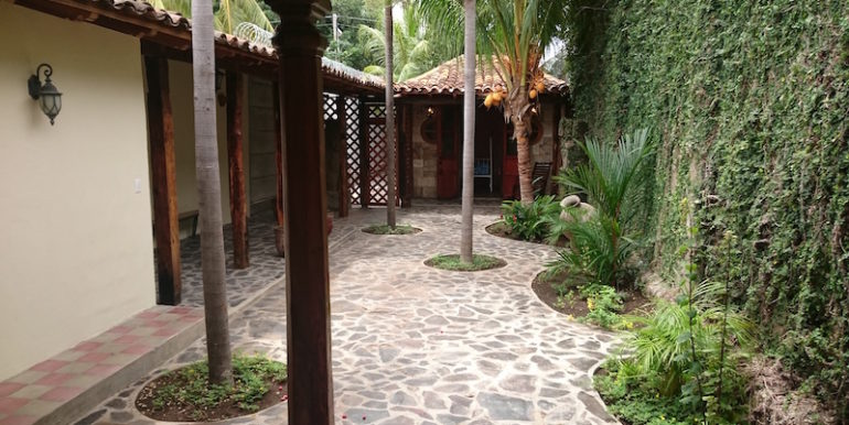 tropical-patio